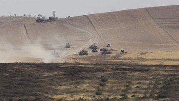 Türk jetleri Cerablus'un güneyinde YPG'yi vurdu