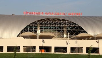 Diyarbakır'da havalimanına saldırı: Ölü ve yaralı yok