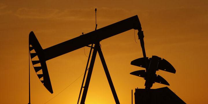 """Petrol """"stok"""" verisi ile sert düştükten sonra 45 dolar civarında"""