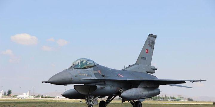 TSK'ya 300 sivil pilot alınıyor