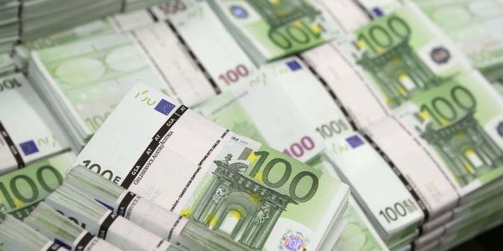 """Euro """"AMB"""" öncesi 2 haftanın zirvesine tırmandı"""
