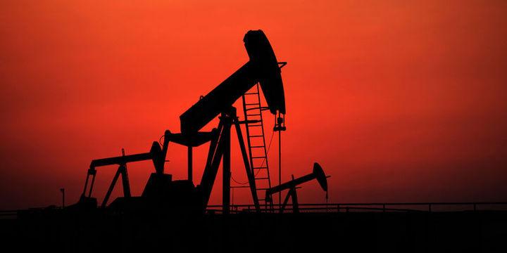"""Petrol """"arz"""" endişeleri ile haftayı kayıpla geçmeye yöneldi"""