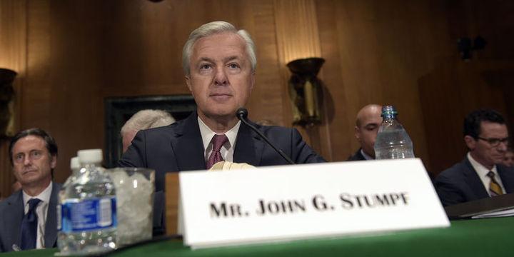 Senatör Warren Wells Fargo CEO'su Stumpf'un istifasını istedi