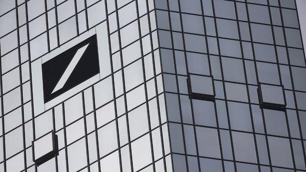 """""""Almanya hükümeti Deutsche Bank'ı kurtarma planı üzerinde çalışıyor"""""""