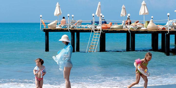 Türkiye'ye gelen turist sayısı Ağustos'ta yüzde 37.96 azaldı
