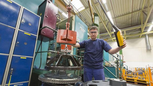 Almanya fabrika siparişleri Ağustos'ta beklentiyi aştı