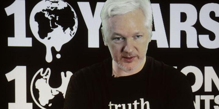 Wikileaks, Clintonın kampanya yöneticisinin e-postalarını yayınladı