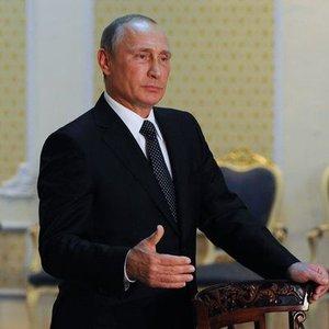 PUTİN: RUSYA PETROL ARZINI KISITLAMA KARARINA HAZIR