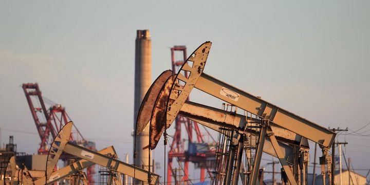 Petrol bir yılın en yüksek seviyesinden kapandı