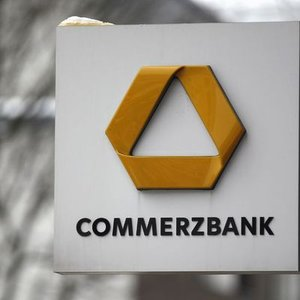 COMMERZBANK'IN YIL SONU <span alt='/dynamics/getSimlifiedSecurityDetail/dolar' class='popupOnMouseOver' style='font-weight:bold; overflow: hidden; color: #003b64'>Dolar/TL <i class='fa fa-bar-chart'></i></span> TAHMİNİ 3.20