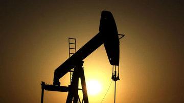 """Petrol """"stok"""" verisi öncesi 50 dolar civarında seyretti"""