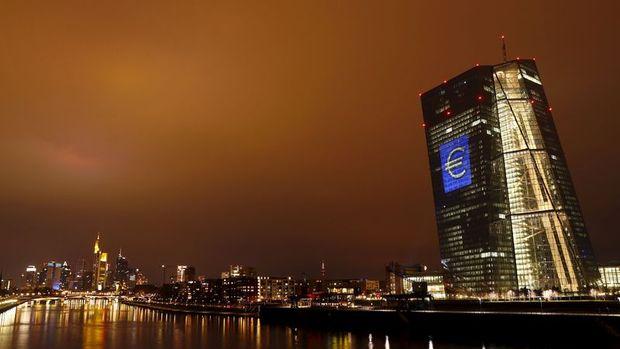 Euro Bölgesi'nde enflasyon beklentisi düşürüldü