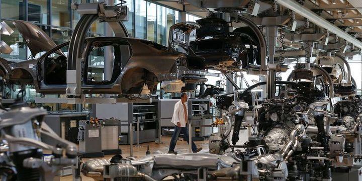 Euro Bölgesi imalat PMI'sı 2 buçuk yılın zirvesine tırmandı