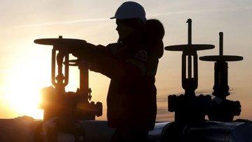 Reuters: Suudi Arabistan OPEC'i üretimi artırmakla tehdit...