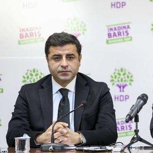 HDP EŞ BAŞKANLARI DEMİRTAŞ VE YÜKSEKDAĞ TUTUKLANDI