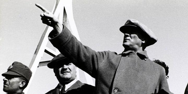 Cumhuriyetimizin kurucusu büyük önder Atatürk