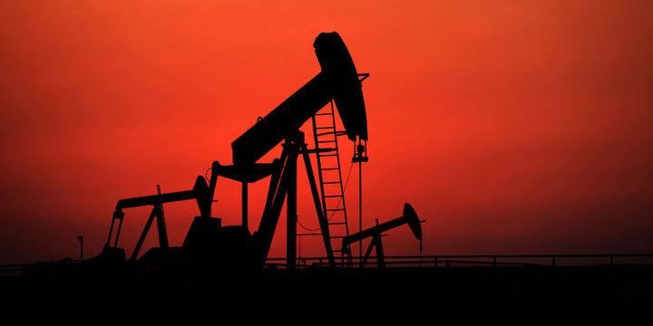 """Petrol """"stok"""" verisi sonrası kaybını korudu"""
