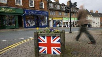İngiltere'de büyüme düşecek, kamu borcu artacak