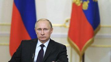 Putin: Batının demokrasi anlayışında bozukluk gözlemliyoruz