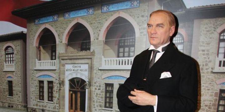 """""""Madame Tussauds Istanbul"""" ziyarete açıldı"""