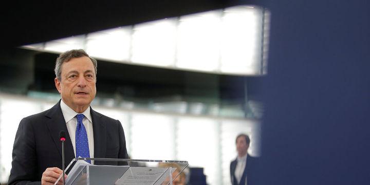 Draghi: Euro Bölgesi küresel belirsizliklere rağmen ılımlı hızda büyüyor