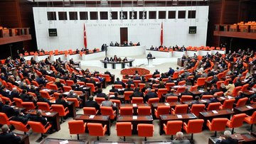Erdoğan MEB'in teşkilat ve görevleri hakkındaki KHK'yı on...