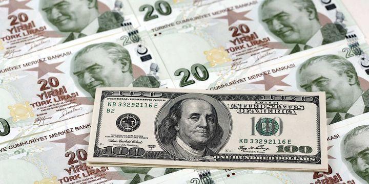 Dolar/TL Fed sonrası dalgalanıyor