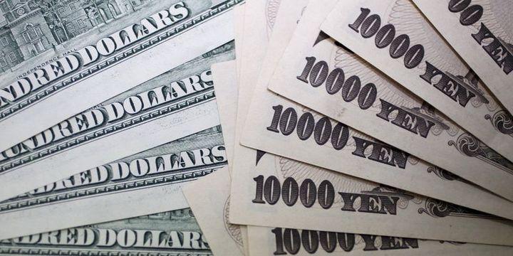 Dolar yen karşısında 10 ayın zirvesinde tutundu