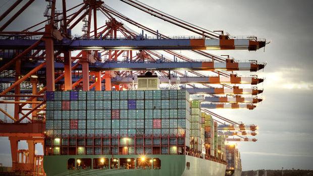 Dış ticaret açığı Kasım'da hafif geriledi