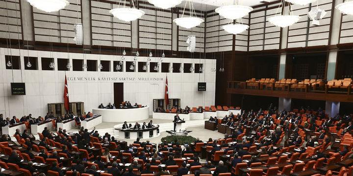 Anayasa teklifinde maddelere geçilmesi 338 oyla kabul edildi