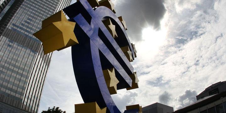 """""""Euro Bölgesi kademeli toparlanıyor"""""""