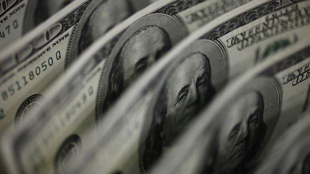 """Dolar """"Brexit"""" konuşması öncesi karışık seyretti"""