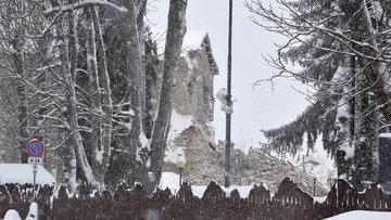 İtalya'da çığ felaketi: 30 ölü