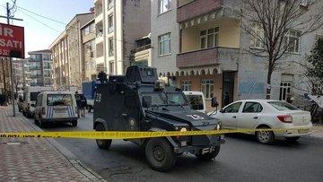 Esenyurt'ta polis ekibine saldırı