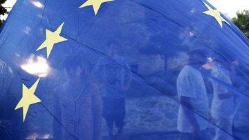 Euro Bölgesi'nde PMI Şubat'ta 6 yılın zirvesine tırmandı