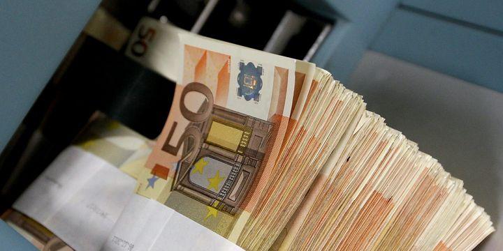 Euro siyasi belirsizlikten olumsuz etkileniyor