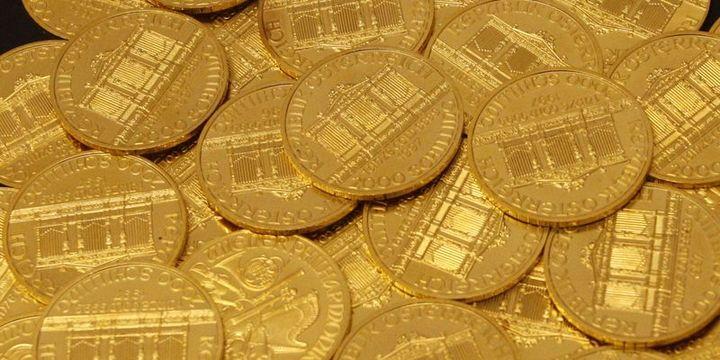 """Altın """"düşük dolar"""" ile dördüncü haftalık yükselişine yöneldi"""