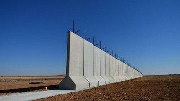"""Suriye sınırındaki """"güvenlik duvarı""""nın % 50'si tamamlandı"""