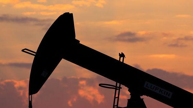 Petrol 54 dolar civarında seyretmeye devam ediyor