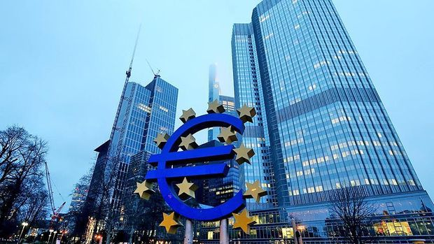 Euro Bölgesi'ne acil reform çağrısı