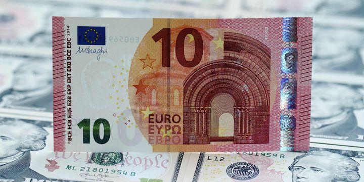 Euro 3 ayın en güçlü haftalık kazancına yöneldi