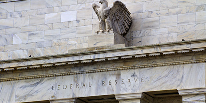 Fed faiz değiştirmedi, kademeli faiz artışı işaret etti