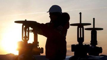 ABD'nin ticari ham petrol stokları azalmaya devam ediyor