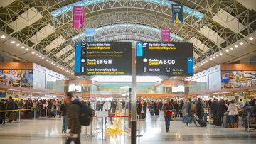 Türkiye'ye 4 ayda 10 milyona yakın yolcu giriş yaptı