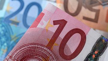 """Euro """"Draghi"""" öncesi kayıplarını sildi"""