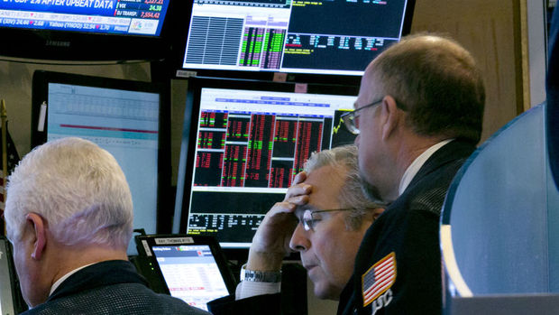 Küresel Piyasalar: Hisse senetleri geriledi, euro Draghi ile düştü