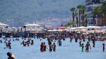Yabancı turist girişleri Nisan'da yüzde 18.1 arttı