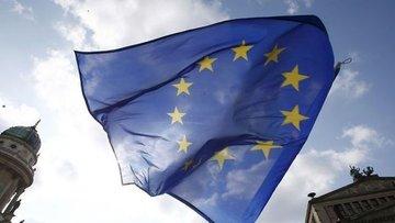 Euro Bölgesi tüketici güveni beklenmedik bir şekilde geri...