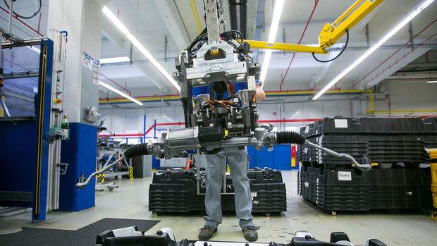 Euro Bölgesi'nde imalat PMI'sı Mayıs'ta 6 yılın zirvesinde