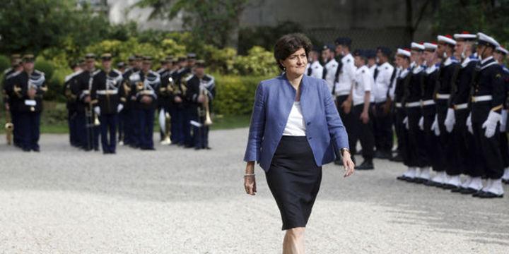 Fransa Savunma Bakanı istifa etti
